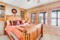 WhitewaterLake Bedroom03