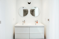 NWMacLeayBoulevard Bathroom03