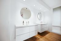 NWMacLeayBoulevard Bathroom05