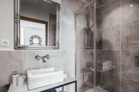 RouteduSapenay Bathroom08