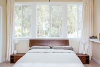 IrisRoad Bedroom02