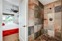 Waine'eStreet Bathroom02