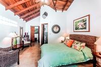 CasaMilagro Bedroom02
