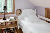 GreenhillDrive Bedroom04