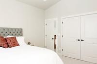 Sierra_Bedroom03