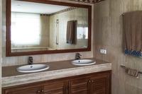RocaLlisa_Bathroom