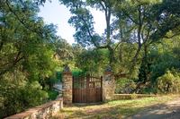The Cigüeña Residence