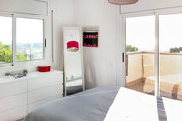 CastelldefelsMasterBedroom02