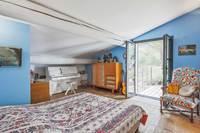 RoutedesBauxBedroom 05