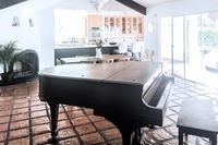 RIVERGATEHOUSEPiano 02