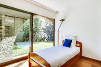 CornicheVaroisebedroom12