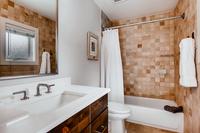 DeerBoulevard Bathroom