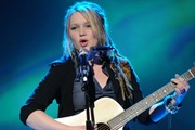 Preview crystalbowersox article
