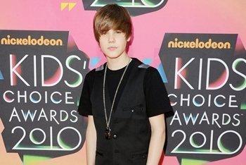 Justin at the 2010 Kids Choice Awards