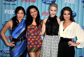 Naya Rivera with Glee cast members
