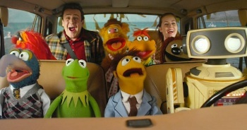 When reuniting the gang the movie gives a nod to original Muppet Movie when they travel by car
