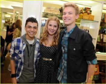 Caroline and her cast mates