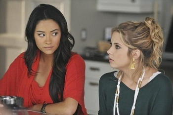 Pretty Little Liars: Season 2, Episode 16 :: Let the Water Hold me Down