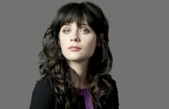 Zooey got her first break in the TV show Veronica's Closet, but it was Almost Famous where she caught the eye of critics
