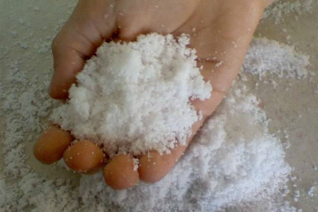 First, you need to gather some things to make fake snow. You could find these things at your house *sodium polyacrylate (you could find it in a disposable diapers) *some water scissor/knife container Then, by using a scissor carefuly cut the outer layer of the diaper.