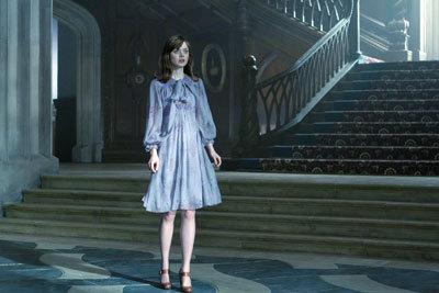 Bella as Victoria Winters