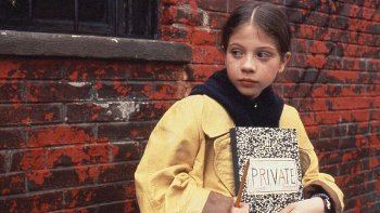 Harriet the Spy uses her intellect to detect