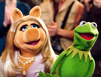 Miss Piggy and Kermit just can't stay away from each other