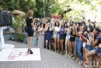Tyra Banks Talks to the Top 30 Hopefuls