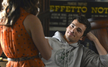 Aria doesn't know how to tell Ezra about his son