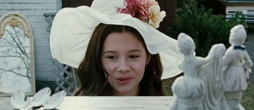 "Natasha Calis Stars in ""The Possession"""
