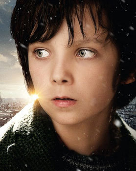 A younger Asa as Hugo