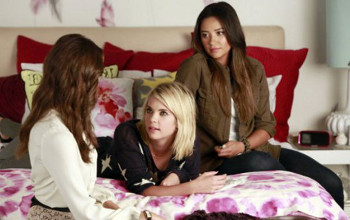 Aria's down with the flu, leaving just 3 liars to put their heads together