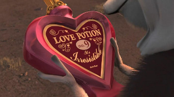King Julien renames himself the King of Love after finding this
