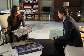 Wren tells Spencer that CeCe used to visit Mona