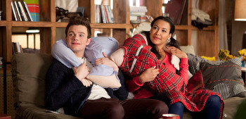 Back in NY it's roommates over romance with Kurt, Santana and Rachel