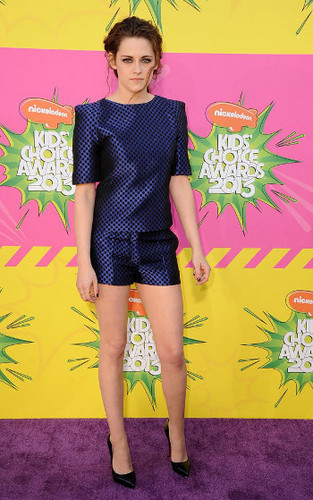 Kristen Stewart outshone the competition in this navy two piece
