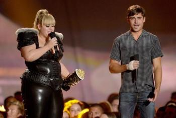 Rebel Wilson and Zac Efron
