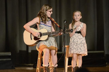 Lennon and Maisy appeared on Nashville