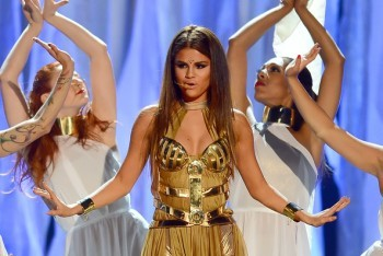 "Selena Gomez Performing ""Come"
