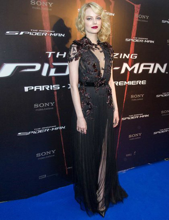 Emma goes goth for the Spiderman premiere