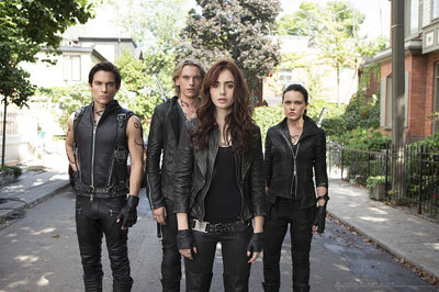 The Shadowhunters go into battle