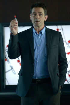 Dr. Farragut (Billy Campbell) is worried about the new virus