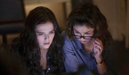 Rose (Zoey) and Natalie (Sarah) research