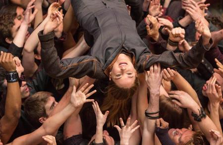Tris (Shailene Woodley) makes it through training