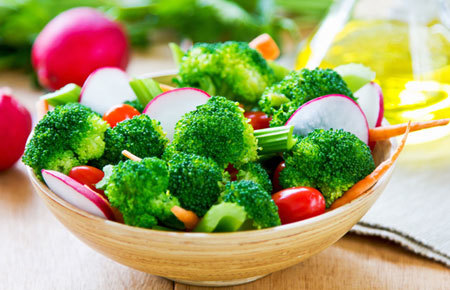 A big bowl of veggies is a low calorie meal option
