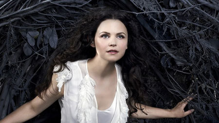 Ginnifer as Snow White on Once Upon a Time