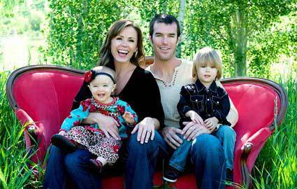 Trista and Ryan with their 2 kids