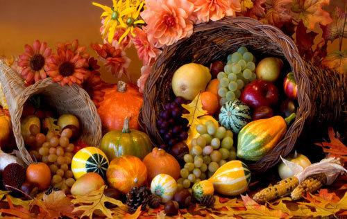 A Cornucopia is the perfect Thanksgiving Centerpiece