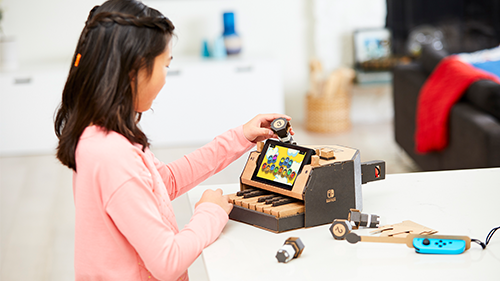 Nintendo Labo's assembly kit can make a handful of creations, like this piano.