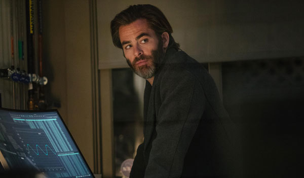 Chris Pine as Meg's dad Alex
